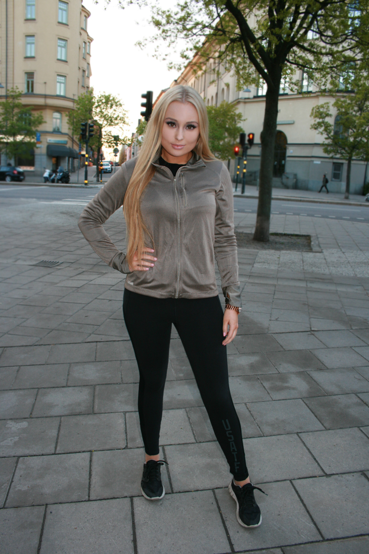 powerwalking outfit fitness work out clothes