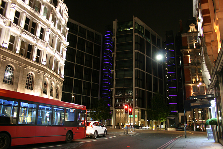 knightsbridge at night