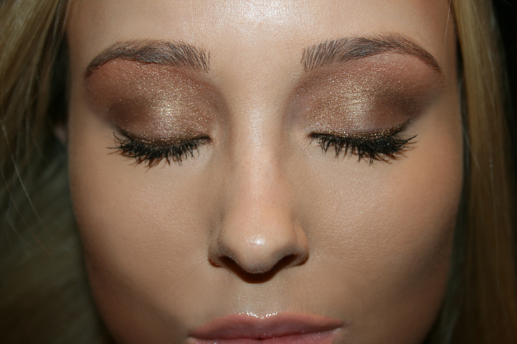 bronze glammed eye make up mua glominerals eyeshadows bronzing