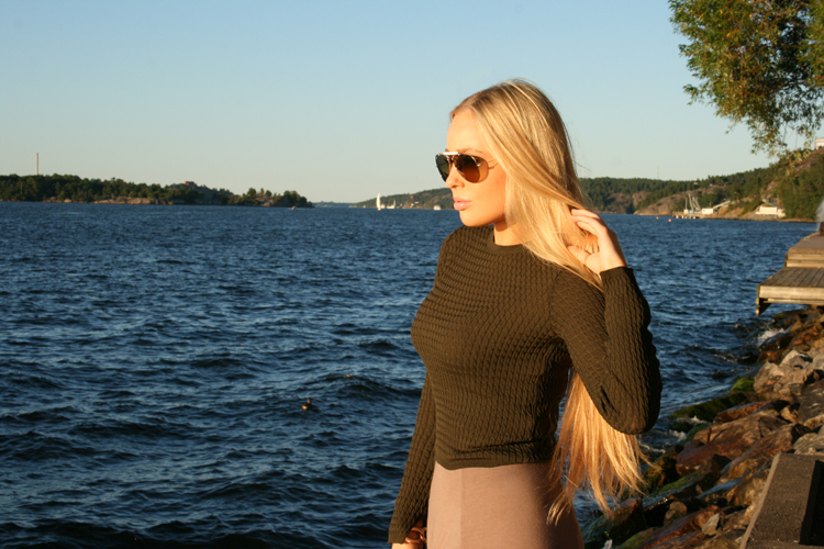 ootd outfit of the day balenciaga zara H&M raybans blonde stockholm