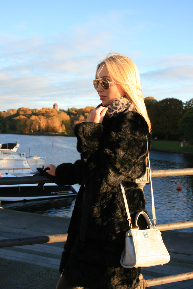 fall autumn outfit fur jacket balenciaga fendi bag malene birger scarf stockholm djurgården sneakers nike