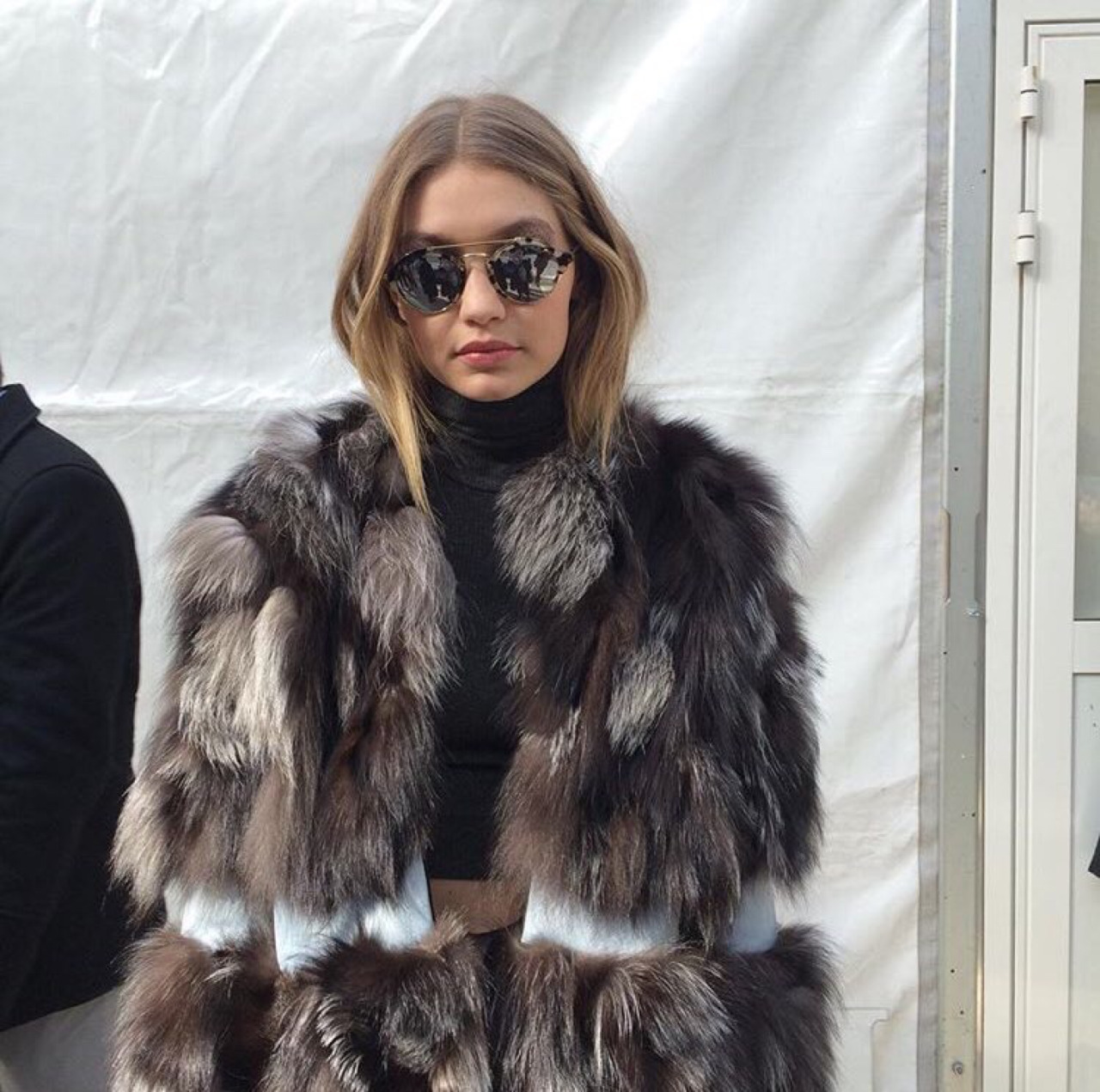 gigi hadid paris fashion week 2016 in givenchy