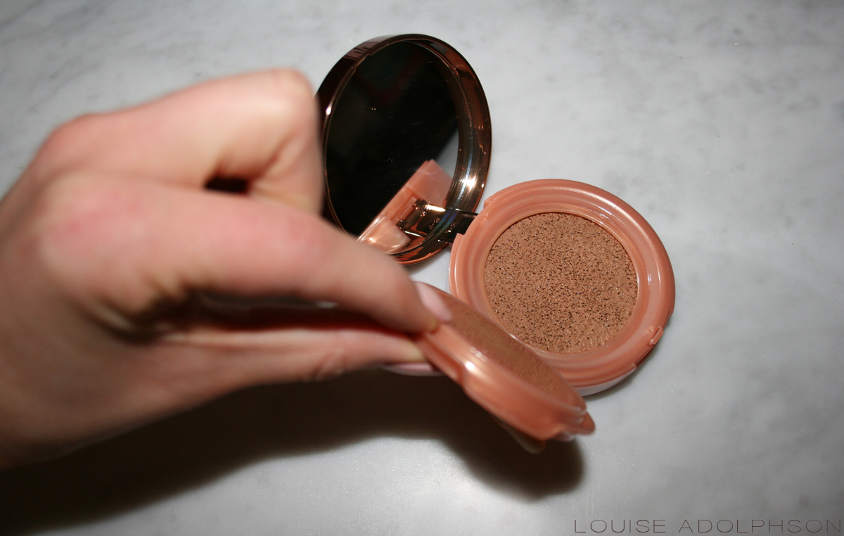 loreal Lumi Cushion Foundation bronze review swatch