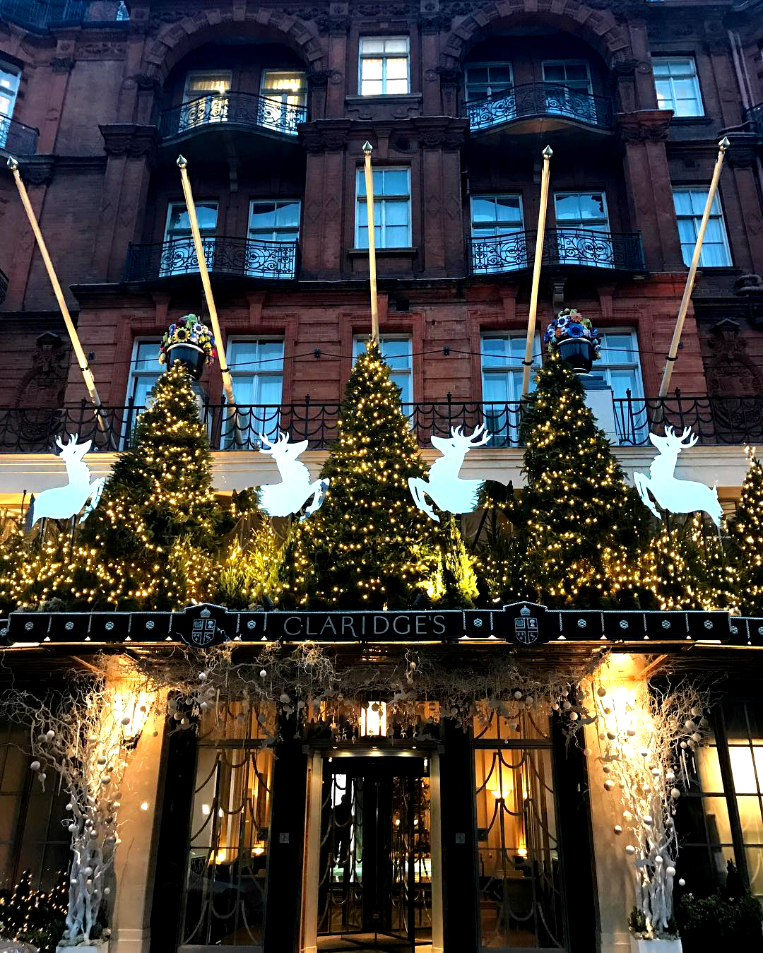 christmas-inspiration-clardiges-london-afternoon-tea
